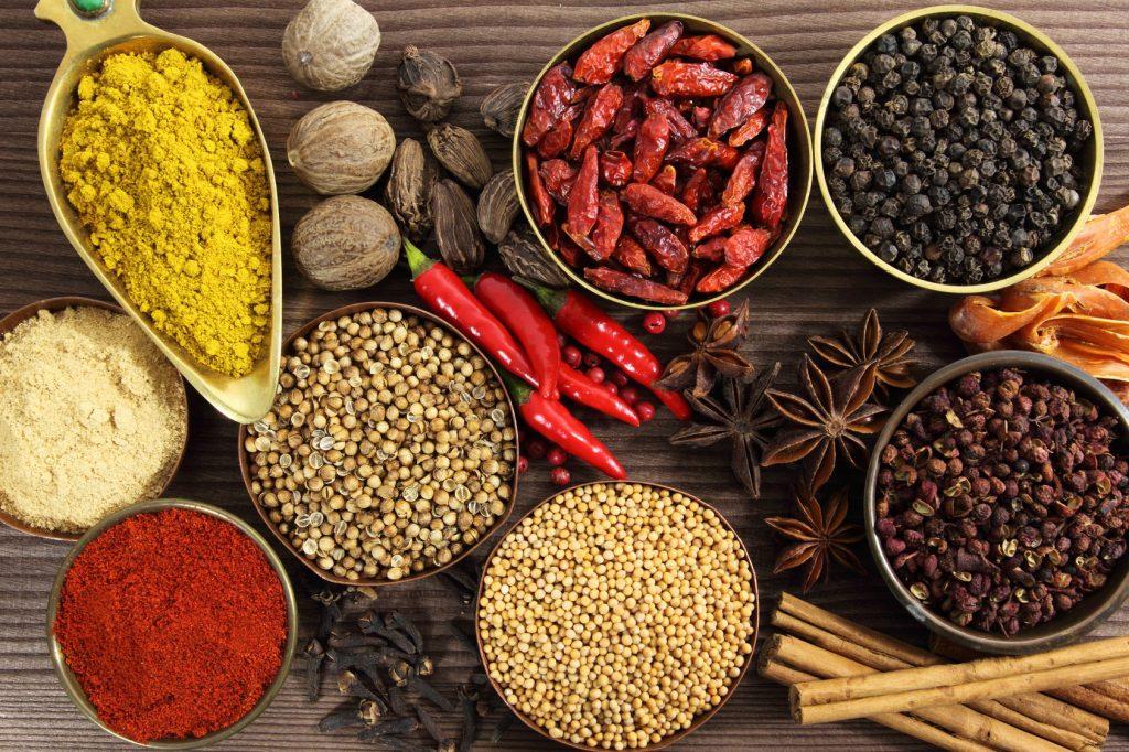 7 épices détoxifiants pour aider à nettoyer le corps